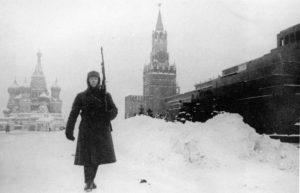 Wache vor dem Kreml
