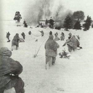 Russische Infanterie in Wintertarnung