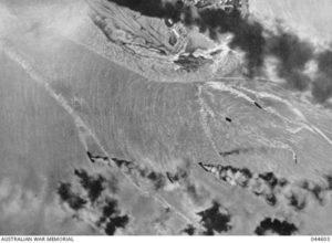 brennenden Schiffen im Hafen von Darwin