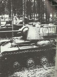 KW-1A im Raum von Charkow