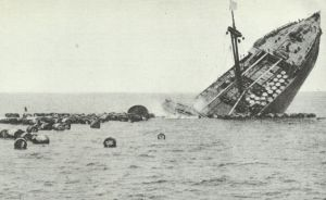 französischer Frachter sinkt