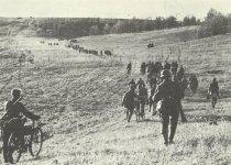 Vormarsch deutscher Infanterie durch die südrusdsischen Steppen