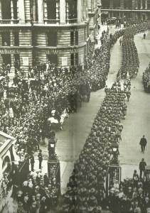 US-Soldaten marschieren durch London.