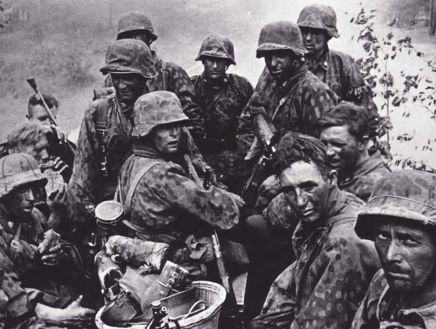 Grenadiere der Totenkopf-Division