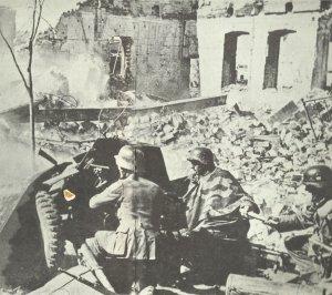 3,7-cm Pak 36 während der Kämpfe in Stalingrad
