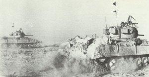 Infanteriepanzer Valentine auf dem Vormarsch