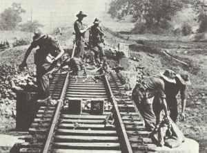 Chindits sprengen Eisenbahngleise in Burma