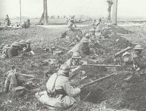 Kampfgruppe aus französischen und britischen Soldaten