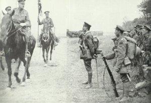 Sir Douglas Haig, inspiziert kanadische Truppen