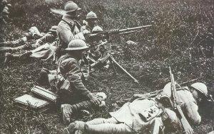 Französische und britische Soldaten in gemeinsamen Einsatz