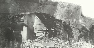 US-Soldaten schießen auf einen deutschen Scharfschützen