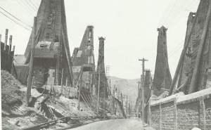 Ölbohrtürme in Baku 1918