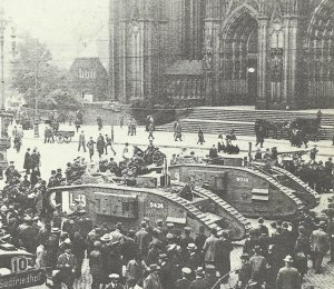 Tanks vor dem Kölner Dom