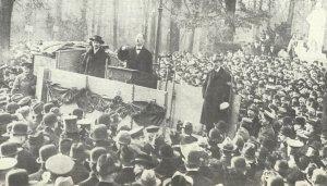Karl Liebknecht spricht am 5. Januar 1919 zu den Massen