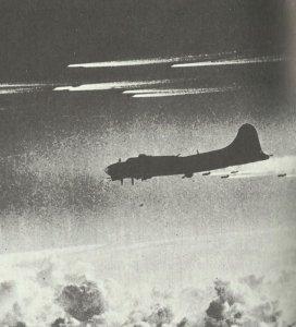 Formation von B-17 Fliegenden Festungen