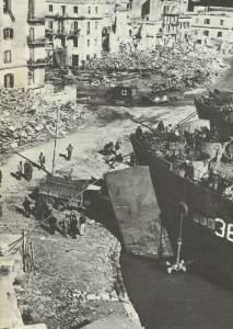 Ausschiffen in Anzio.