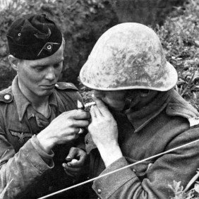 Angehöriger von 'GD' mit einem rumänischen Verbündeten