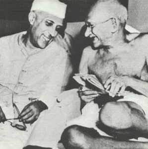 Nehru und Gandhi