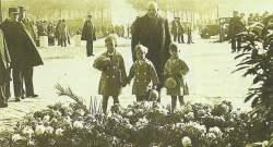 Paris am Grab des unbekannten Soldaten