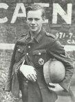 Verwundeter jugendlicher deutscher Soldat in Caen