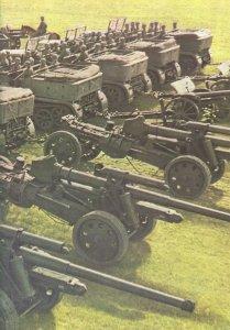 10,5-cm-Kanonen mit Halbketten-Zugkraftwagen