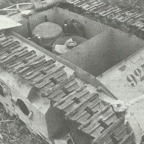 Das Innere eines Goliath mit V-Motor: hinten der Benzinmotor und vorne das Fach für die Sprengladung.