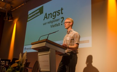 Peter Niemann, Vorsitzender des Bürgervereins Gohlis e. V. begrüßte als Gastgeber die Teilnehmer