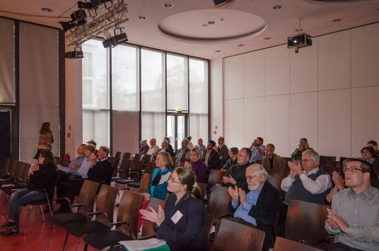 Das Publikum beteiligte isch rege an den Diskussionen