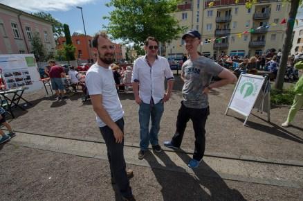 Michael Seeber, Alexander Yendell und Peter Niemann von der Initiative Weltoffenes Gohlis beim Gohliser Kinder- und Sommerfest 2016
