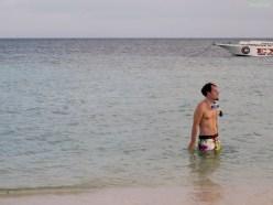 das Wasser ist sooo kalt (bestimmt 24 Grad)