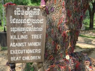 Kleinkinder wurden hier ermordet, indem sie gegen den Baum geschlagen wurden.