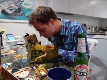 Aron konzentriert