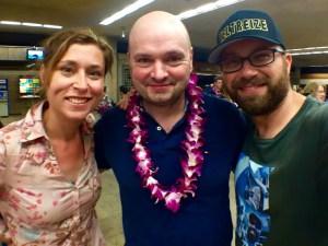 Marc besucht uns auf Maui. Hier auf dem Kahului-Flughafen.