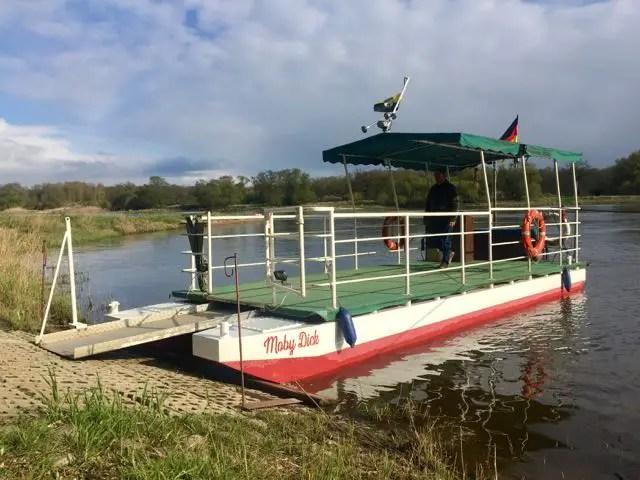 Boot Moby Dick bei Brambach an der Elbe