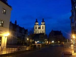 Elbe-Radtour-Lutherstadt-Wittenberg-Markt-abends-weltreize - 1