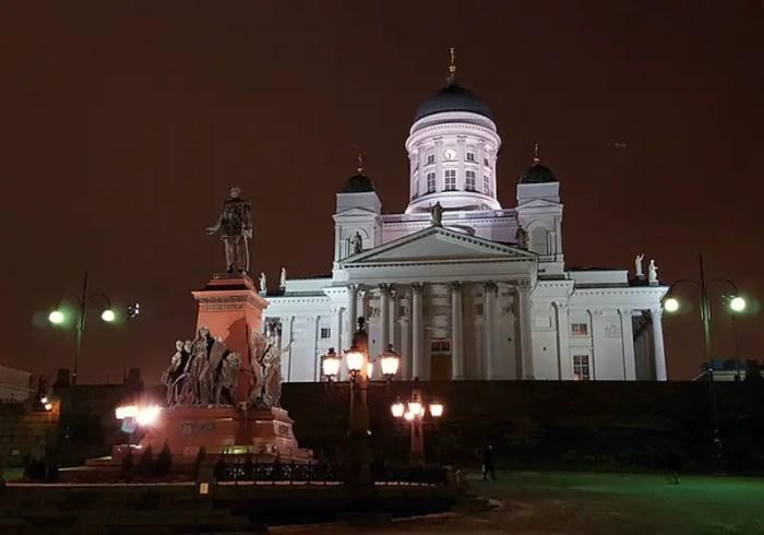 Helsinki-Dom-FinnTouch