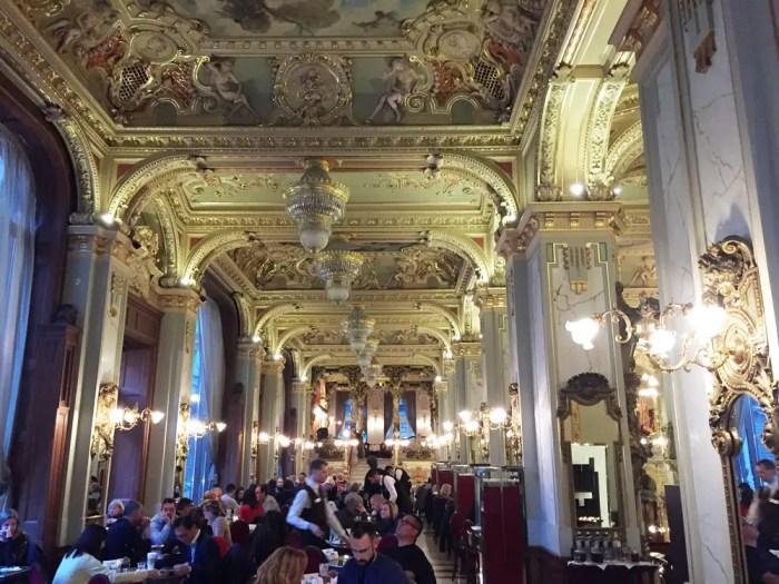 Cafe-New-York-innen-Budapest