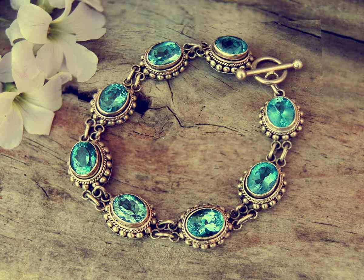 bracelet auction