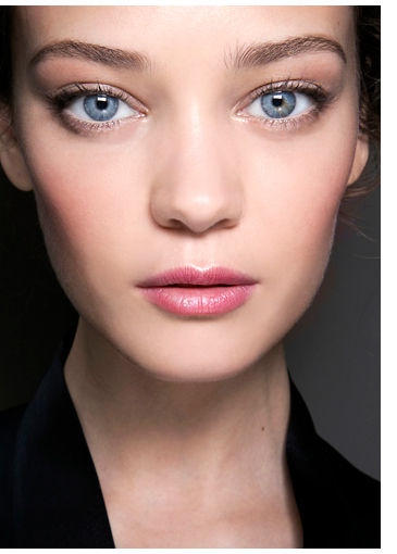 Best Eye Makeup For Pale Skin Makeup Tips The Best Looks For Cool Skin Tones Elle Canada