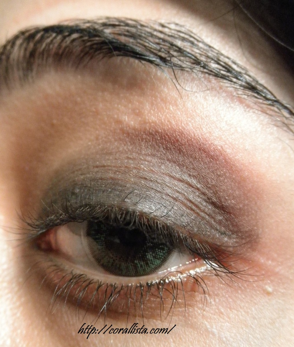 Brown And Purple Eye Makeup Smokey Purple And Gold Eye Makeup Step Step Tutorial And Fotd