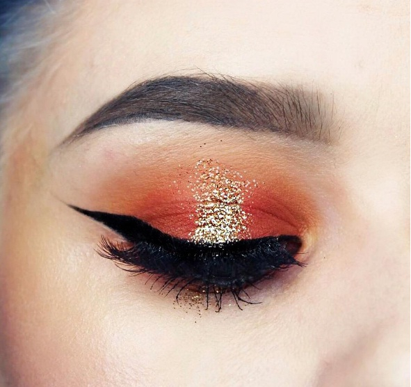 Edgy Eye Makeup Embrace Edgy Red Eye Makeup This Holiday Season Beauty