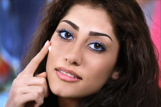 Eye Makeup For Dusky Complexion Flawless Makeup Tricks For Dusky Women Feminain