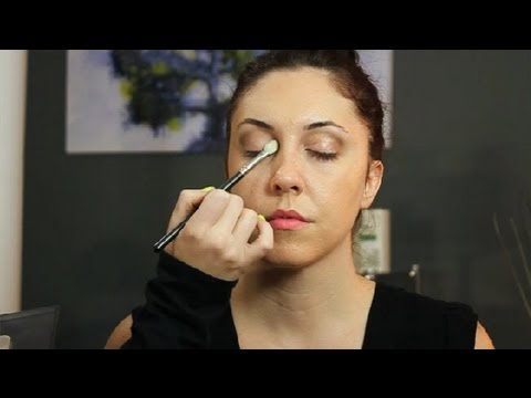 Eye Makeup With White Dress What Color Makeup Goes Best With A Black Brown White Dress