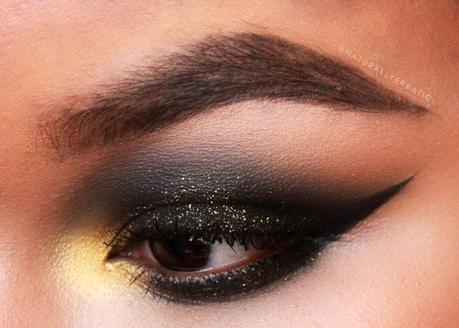 Gold And Smokey Eye Makeup G O L D The Black Smokey Eye Makeup Paperblog