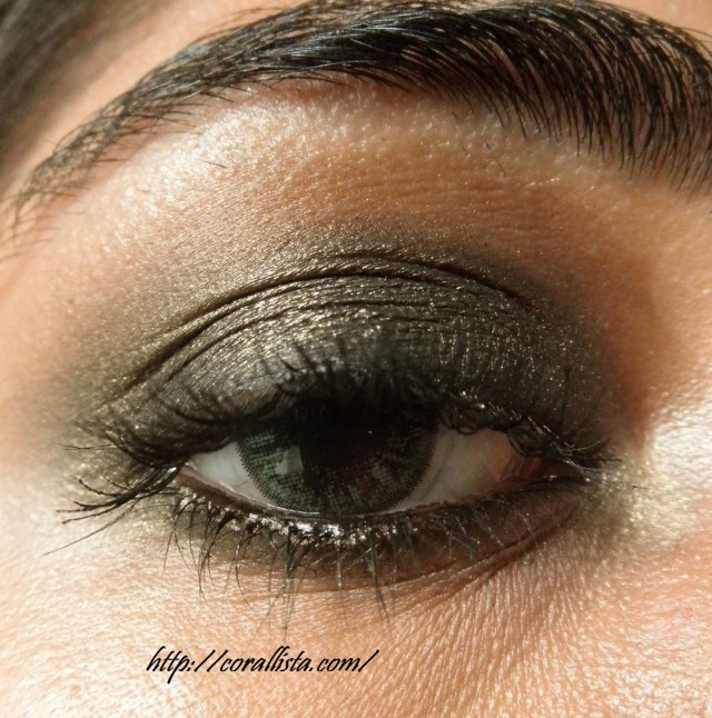 Gold Makeup For Green Eyes Blackened Olive Green Gold Smokey Eye With Coral Lips Fotd And