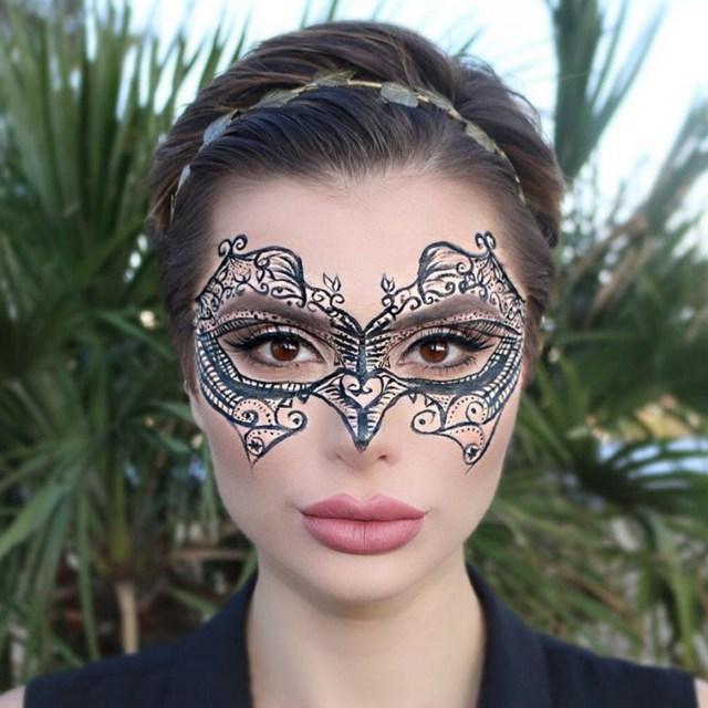Halloween Cat Eye Makeup 5 Easy Halloween Makeup Ideas You Can Do With Only Eyeliner Glamour