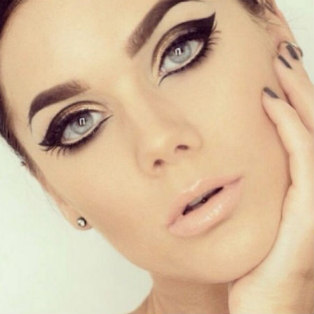 Hippie Eye Makeup The Funkiest Makeup Trends From The 70s Finderau
