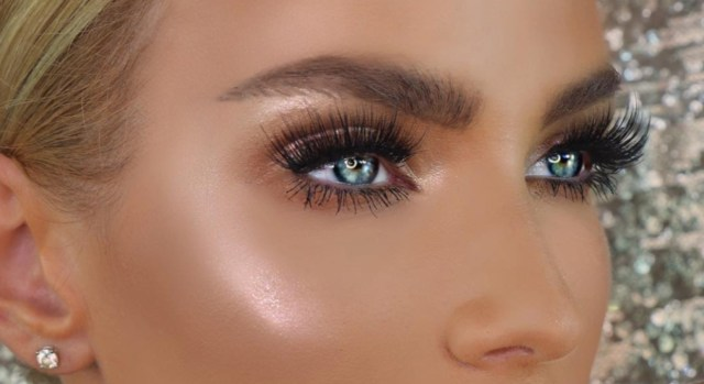 How To Do Makeup For Blue Eyes Makeup For Blue Eyes 5 Eyeshadow Colors To Make Ba Blues Pop