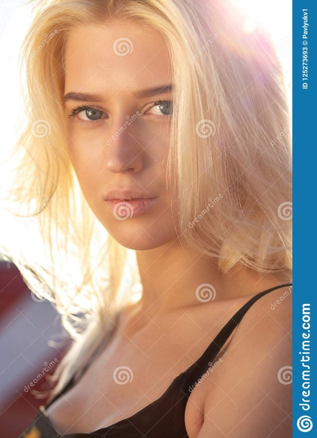 Makeup For Blue Eyes Blonde Hair Tender Blonde Blue Eyed Model With Natural Makeup And Hair Look