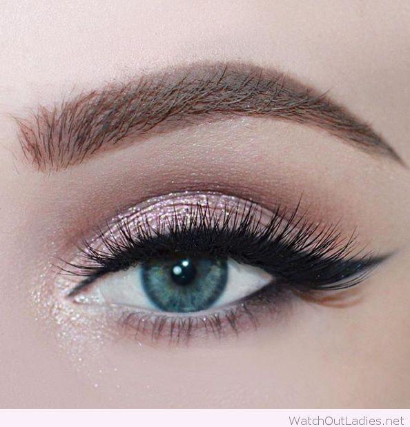 Makeup For Greenish Blue Eyes Rose Glitter For Blue Eyes 2713779 Weddbook